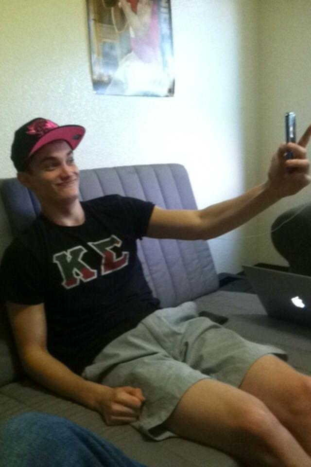 But first, let me take a regular picture of you taking a selfie.