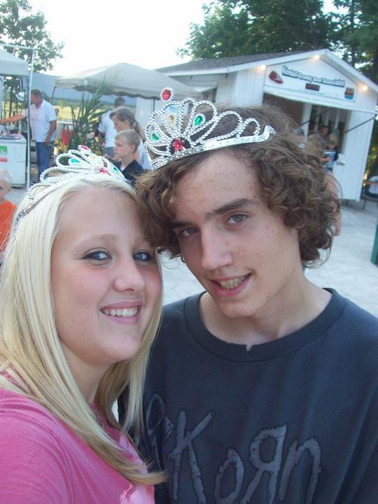 That t-shirt doesnt really go with that princess crown.