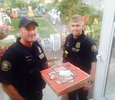 cops-deliver-pizza-09222014