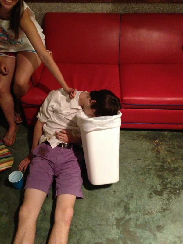 40 Signs You're Too Drunk To Keep Drinking