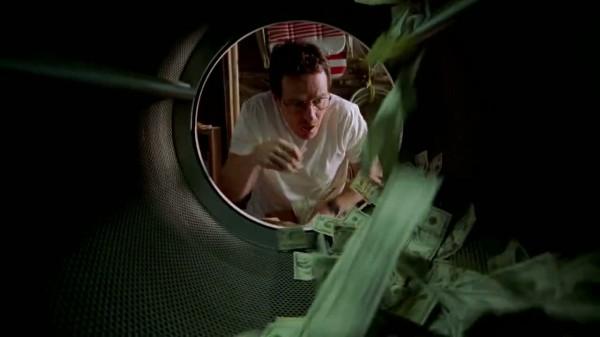 1x01_-_Walt_washing_his_money-1