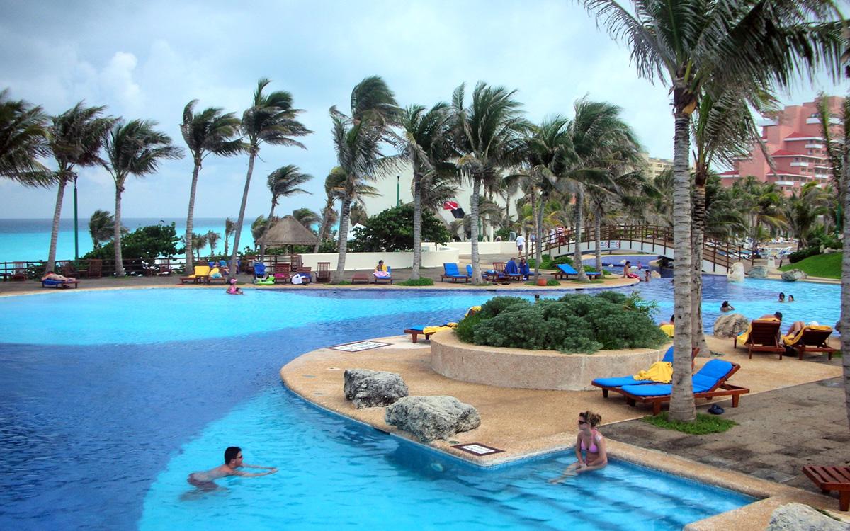 best spring break hotels in cancun