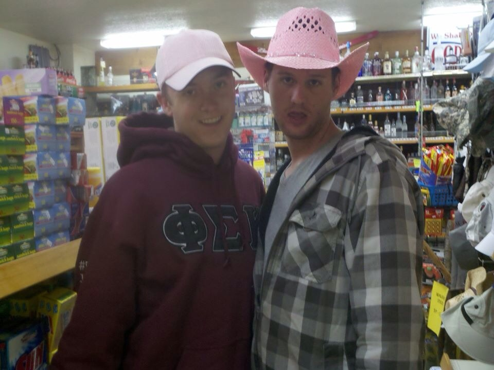 Bitches love pink cowboy hats.