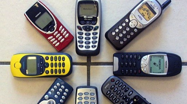 Mobile-phones-are-pictured-in-France-in-2001.-AFP